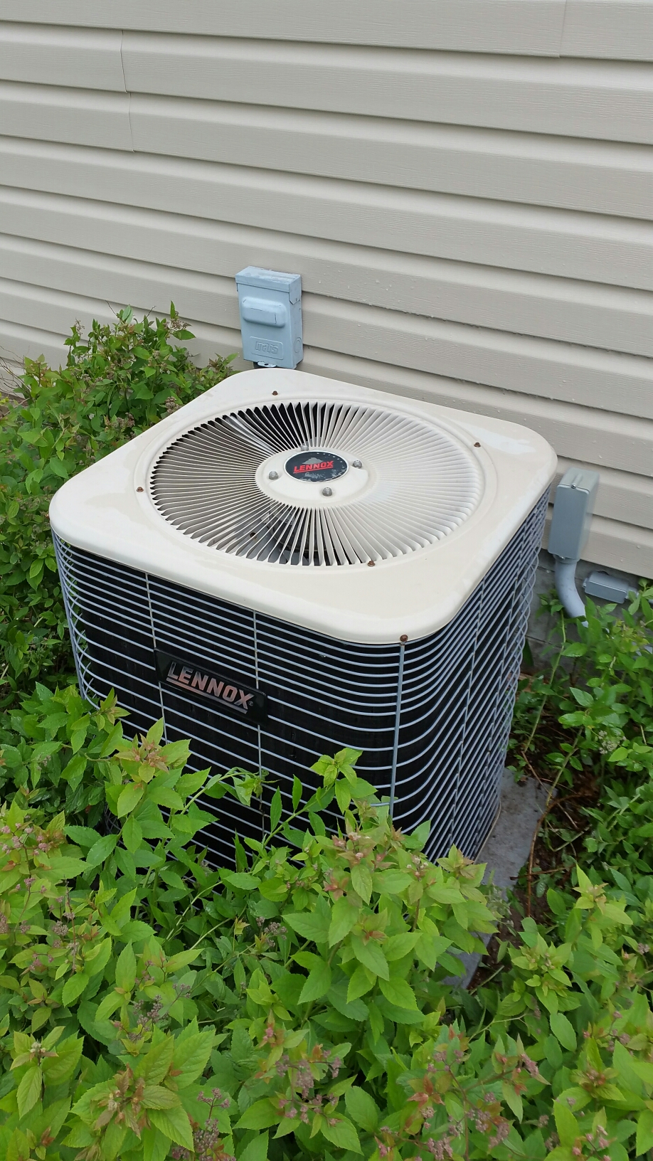 Culver, IN - Lennox air conditioner tuneup service