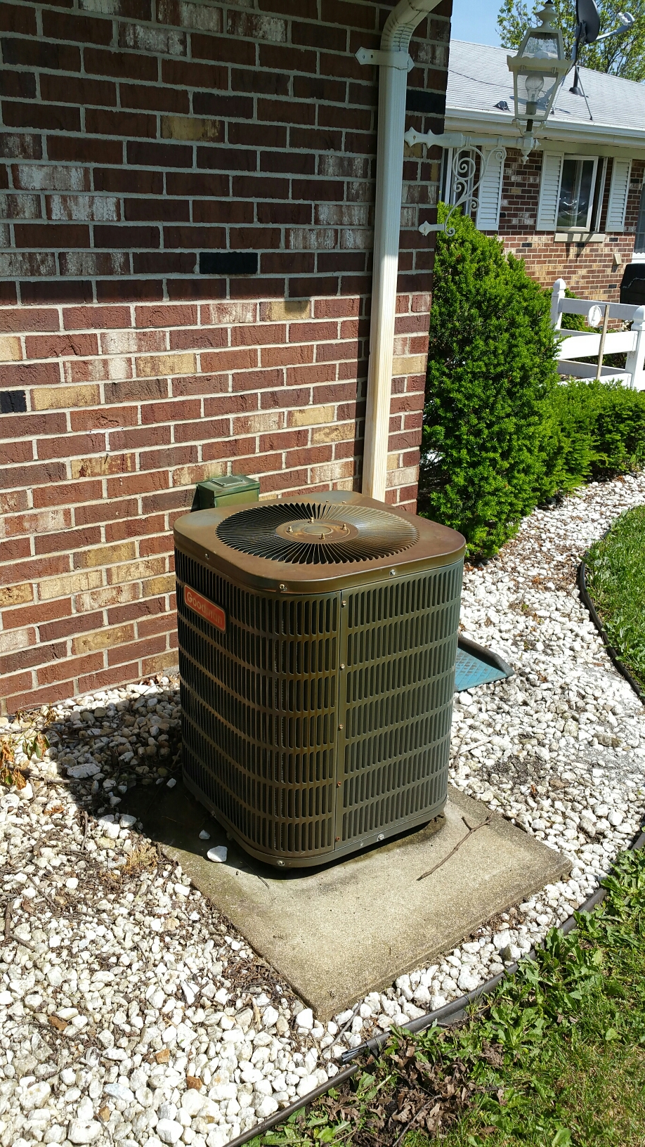 Walkerton, IN - Goodman air conditioner tuneup service