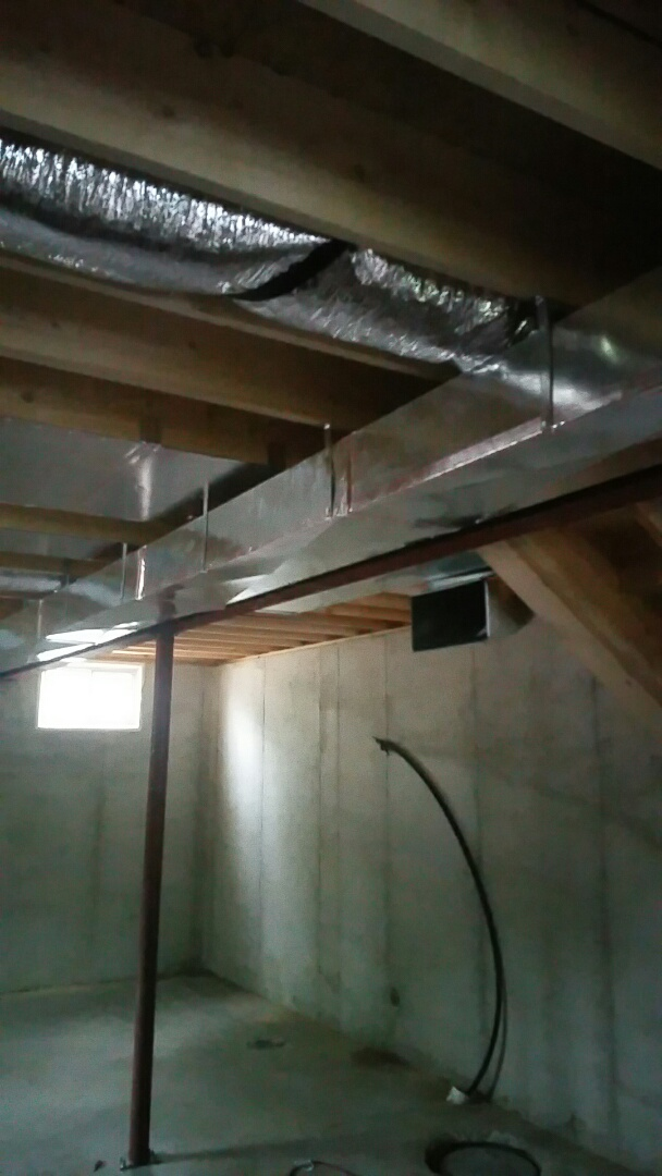 Culver, IN - Install ductwork on a new construction home