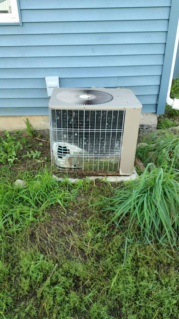 Walkerton, IN - Home inspection on an Armstrong Air system