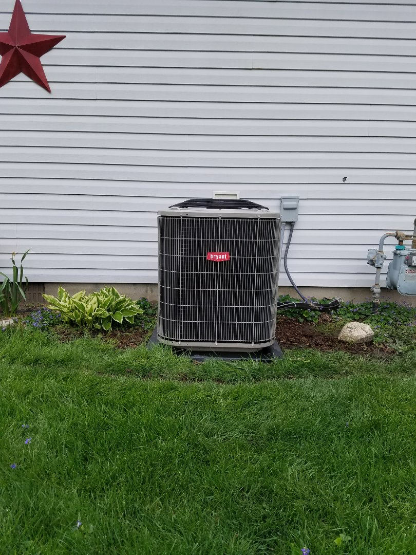 Plymouth, IN - Maintenance on a Bryant model 113 air conditioner