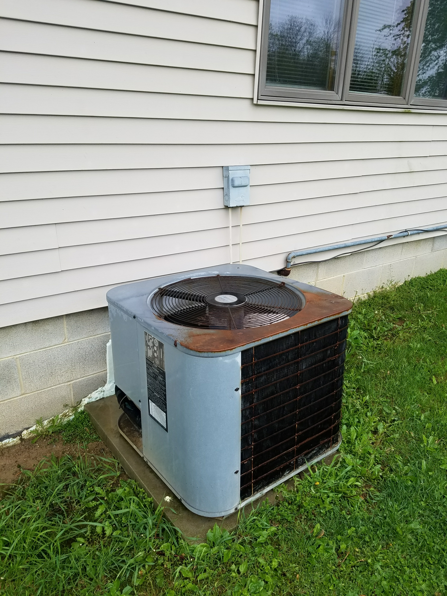 Wabash, IN - Replace Weather King air conditioner with new Bryant two stage air conditioner
