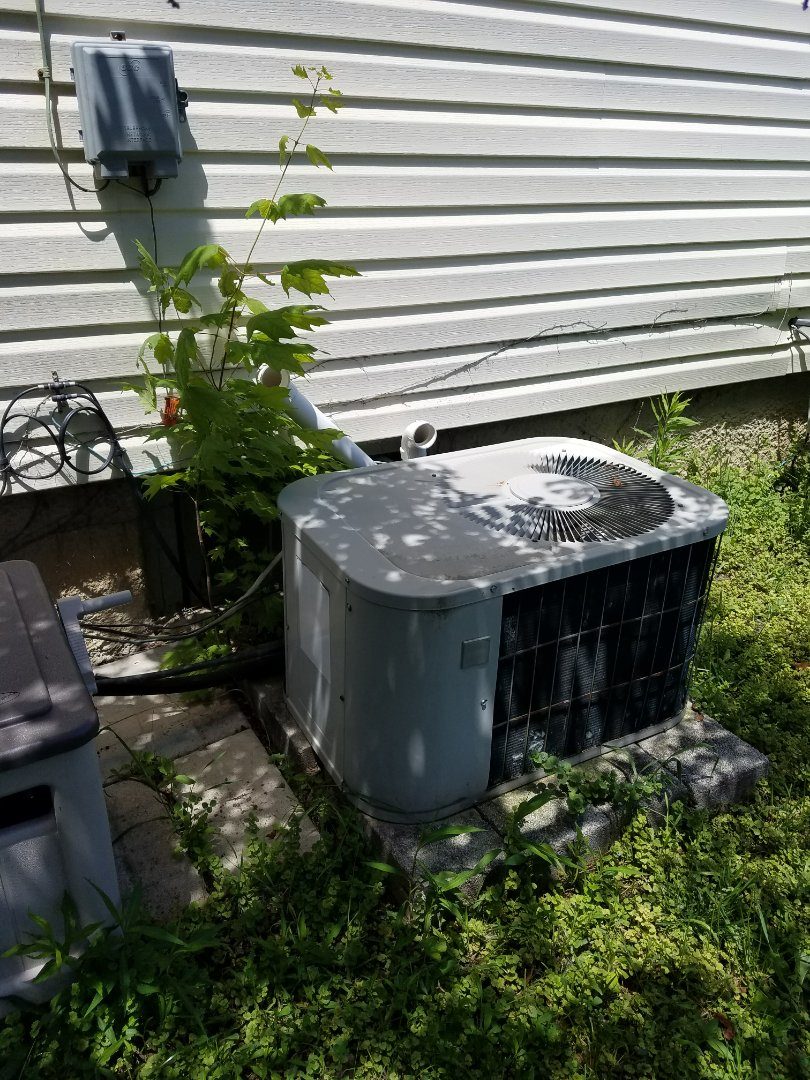 Huntington, IN - Replace twenty-two-year-old Bryant furnace and air conditioner with new high-efficiency 95% Bryant