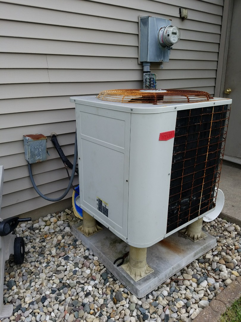 Huntington, IN - Replace twenty-two-year-old Bryant heat pump with new high-efficiency Bryant heat pump