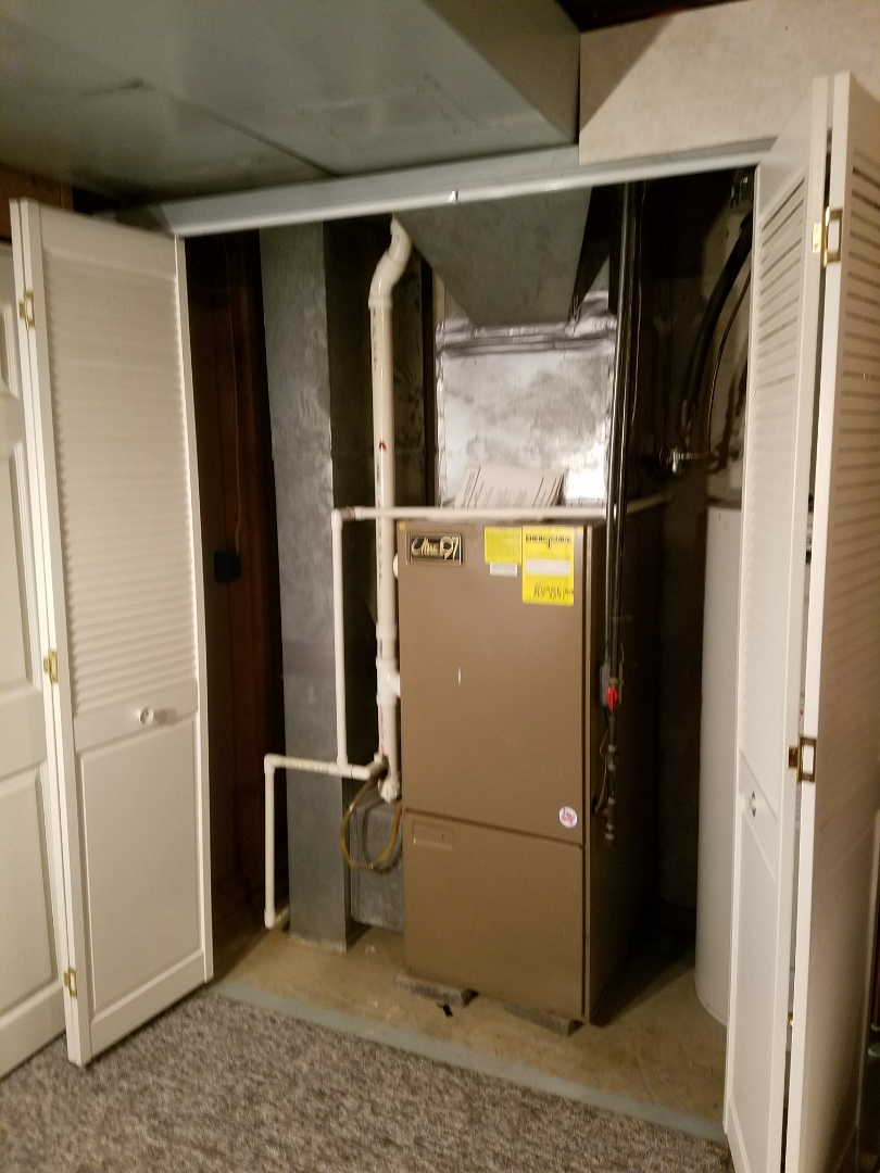 Roanoke, IN - Replace existing Trane air conditioner and Magic Chef furnace with new Bryant Evolution variable capacity