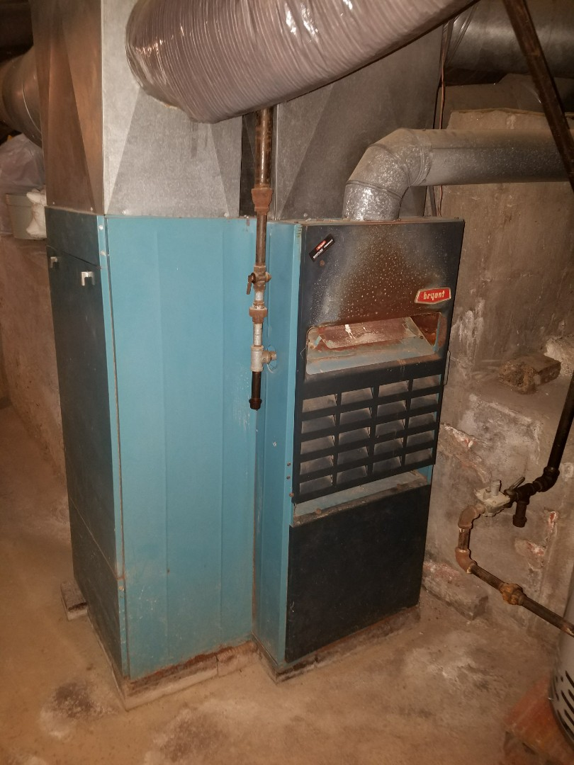 Warren, IN - Replace existing 40 year old Bryant natural gas furnace with new Bryant variable capacity furnace and air conditioning and ductwork to the upstairs for better comfort
