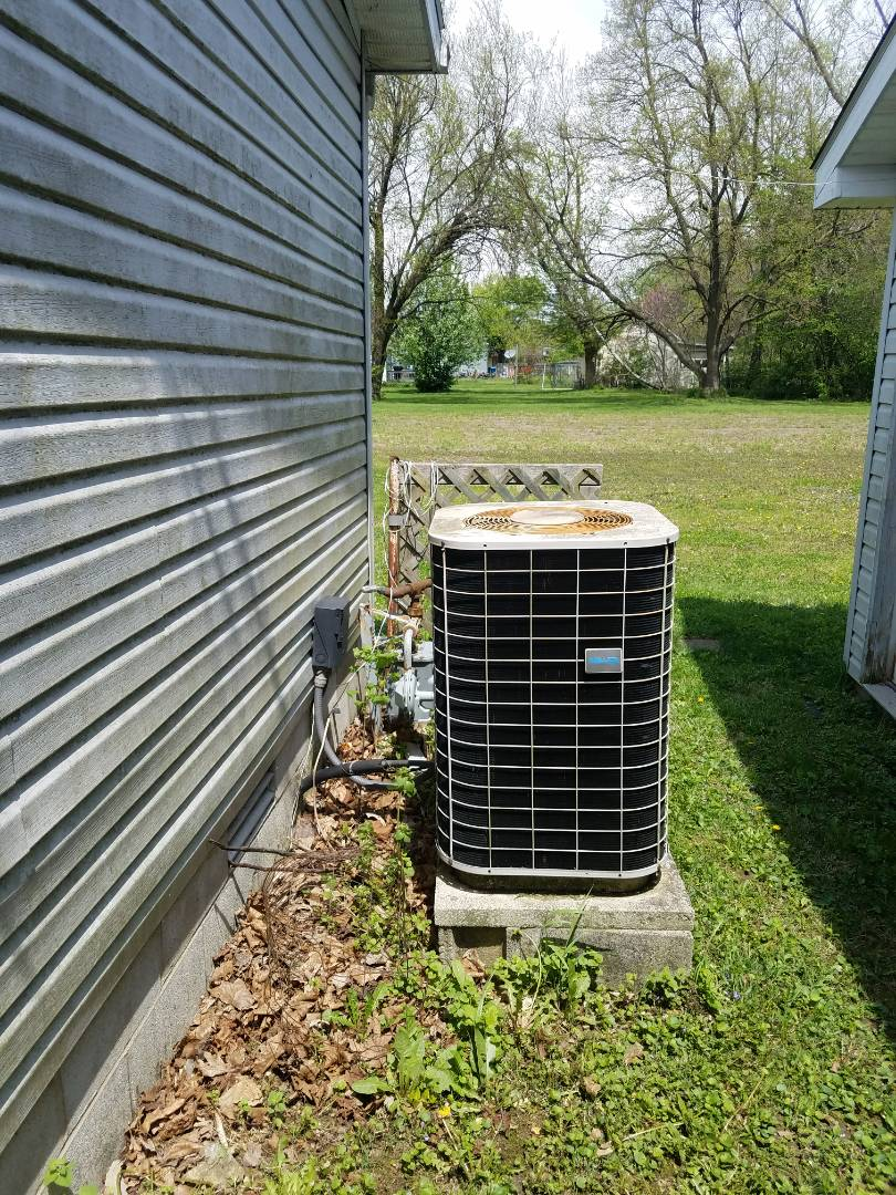 Huntington, IN - Replace existing modular home furnace and air conditioner with new modular mobile home 95% furnace and 13 Seer air conditioner