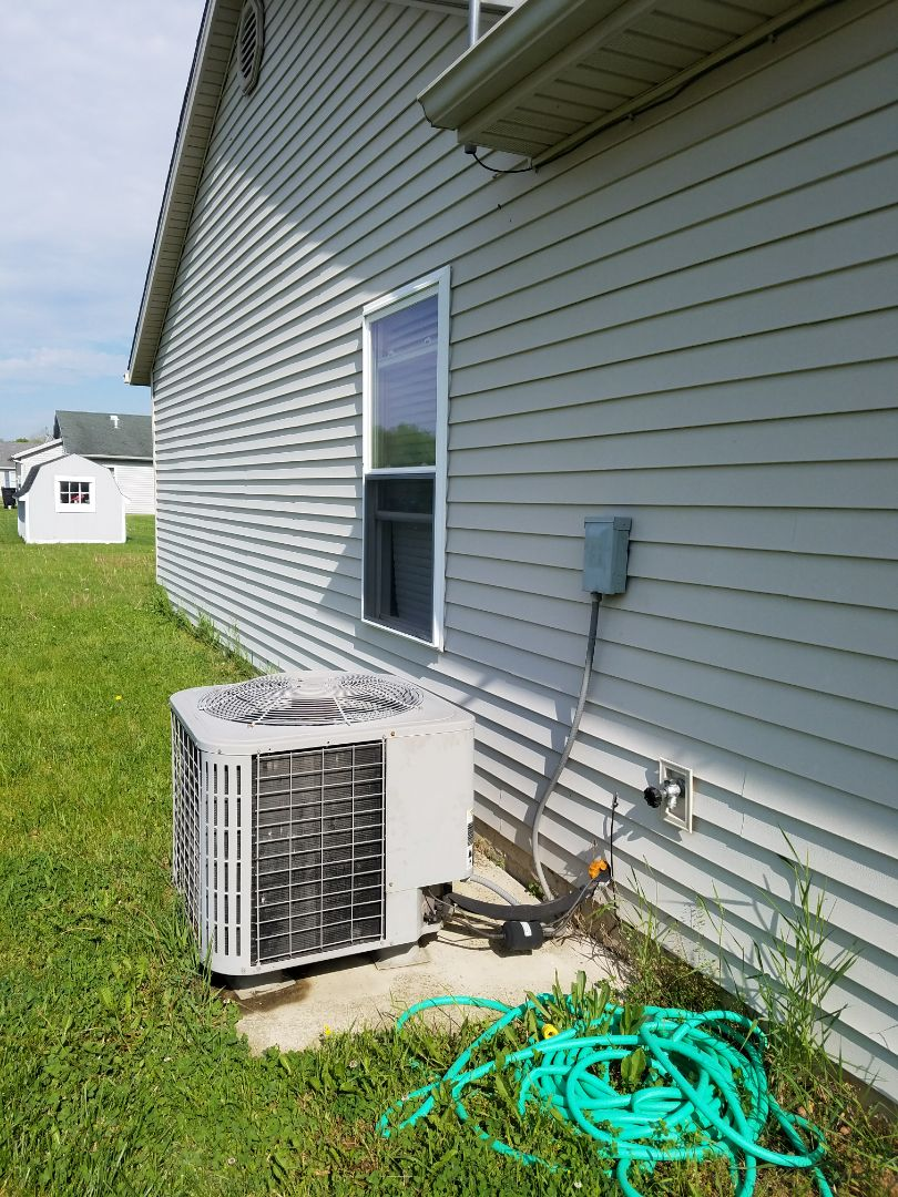 Huntington, IN - Replace new construction air conditioner with new high-efficiency Bryant air conditioner