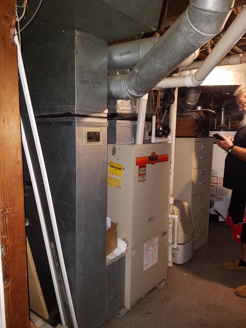 Roanoke, IN - Replace Lennox furnace and air conditioner with new Bryant high efficiency furnace and air conditioner