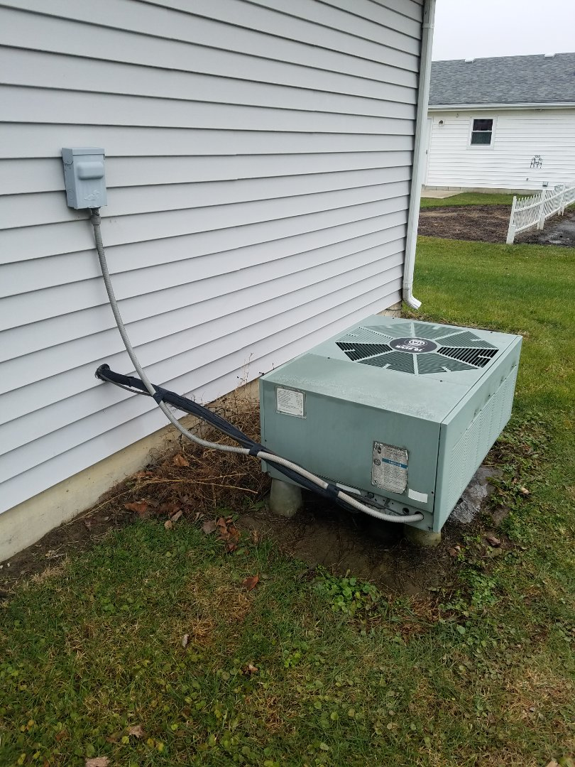 Huntington, IN - Replace existing 20 year old heat pump with new Bryant heat pump
