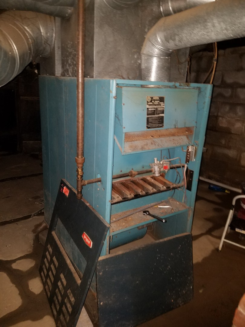 Huntington, IN - Huntington Indiana replace existing 35 year old Bryant furnace with new Bryant 95% furnace and add air conditioning