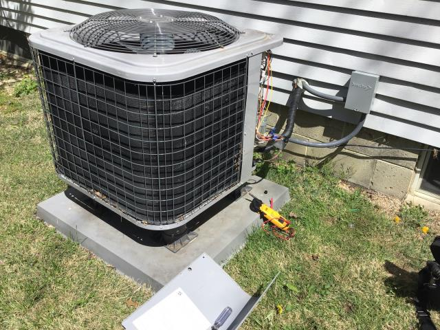 Dublin, OH - Weekend hvac service. Dublin heatpump air conditioning service