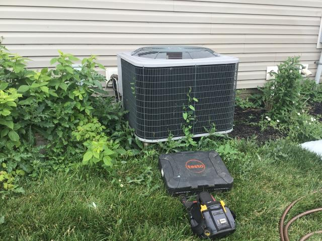 Pataskala, OH - Tech replaced dual capacitor, added easy seal and 2 pounds of puron to ICP ac unit