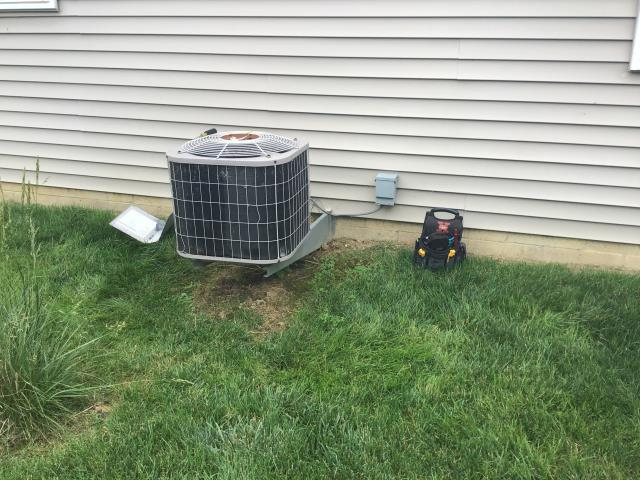 Lewis Center, OH - replaced dual capacitor on carrier 19 year old ac unit