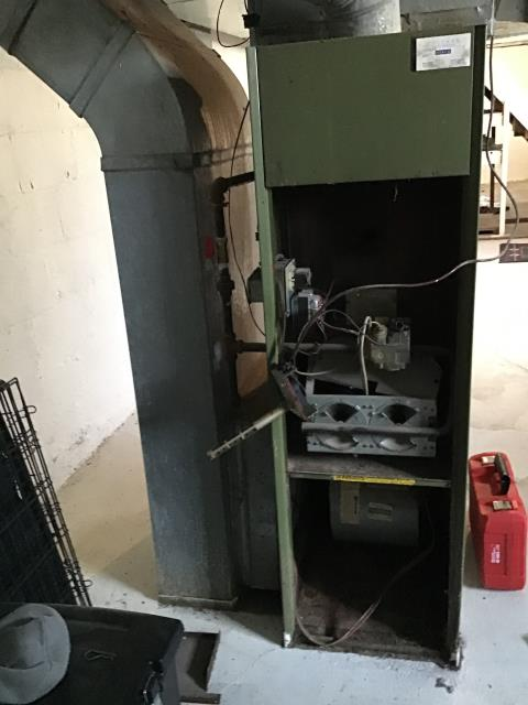 Columbus, OH - Diagnostic performed on 1978 Rheem furnace. Motor was overheating . Due to age of unit, customer opted to replace the system instead of repairing it.