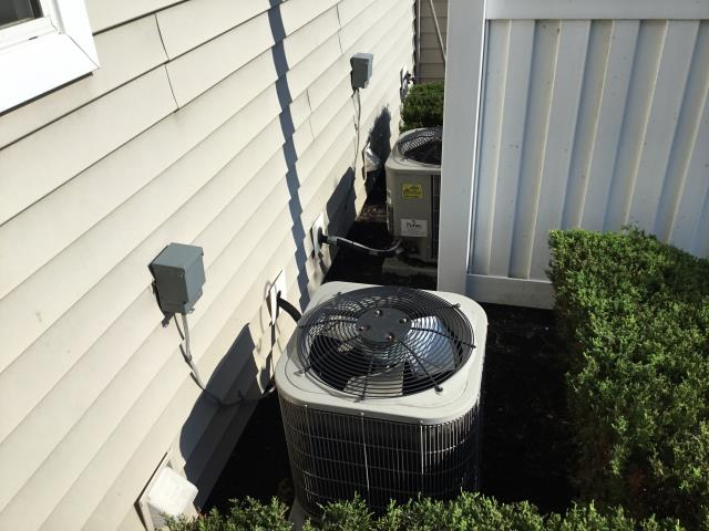 Grove City, OH - Performed tuneup and safety check on 2009 Bryant AC. All is working well at this time.