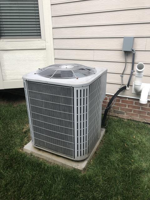 New Albany, OH - Found that the compressor is running at 13.6 amps and the fan is running at 1.4. Compressor rated is 19 and fan rated is 1.4. Both compressor and fan are running good. Did notice the refrigerant pressures look okay but the SH and SC are off. Superheat is bouncing from 18 to 24. Subcool is bouncing from 12 to 14. Designed subcool is 17. System appears to be a little undercharged. pressures are bouncing +- 8 psi. None condensables are in the system causing pressures to bounce. Weighed in .5 lbs of r410a, pressures now 121/368. SH at 14 and subcool at 16.8. 21 degree delta T. Compressor is slightly loud but is not bad or failing at this time. Normal operation at this time. Quoting system replacement