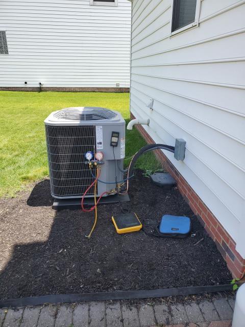 New Albany, OH - I installed a new Carrier 13 SEER 4 Ton Air Conditioner