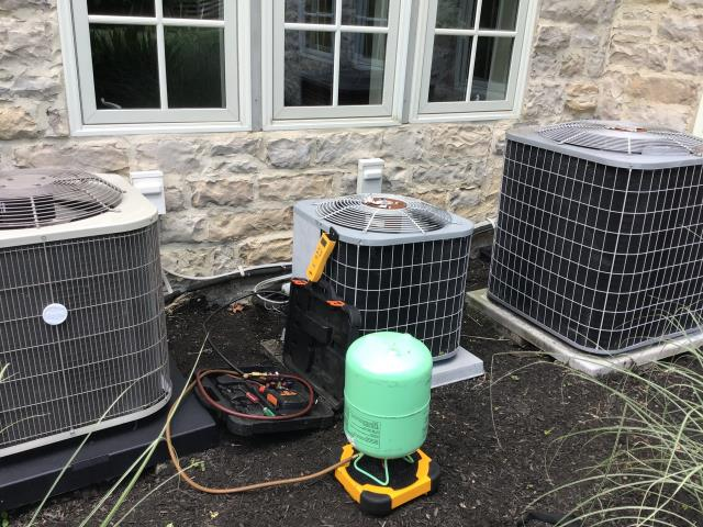 Blacklick, OH - I added 1 pound of Refrigerant R-22 Freon to a 2003 Carrier Air Conditioner