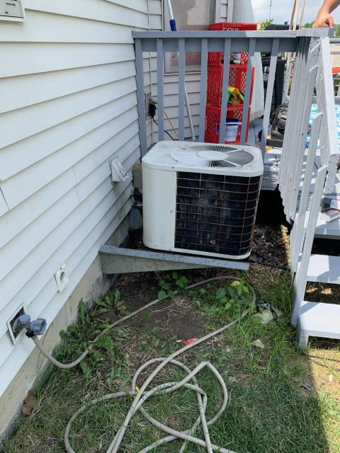Reynoldsburg, OH - I replaced the Compressor-Motor Surge Capacitor on a 1991 Bryant