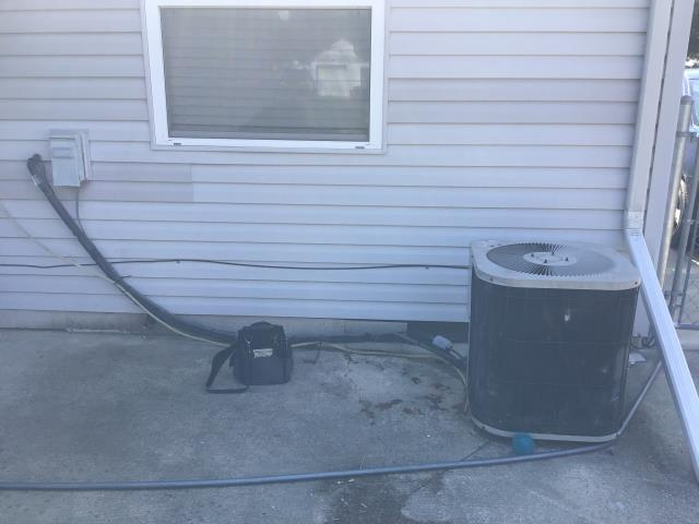 Groveport, OH - I installed a new ) Carrier 13 SEER 2 Ton Air Conditioner