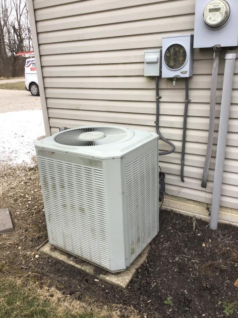 Pataskala, OH - Communication fault at thermostat. Reset settings that were previously changed by the last tech, no change. Customer had tried turning the breaker off and back on, but the issue did not change. Communication wire running to the outdoor unit. Communication wire wasn't grounded to either side(furnace or a/c).