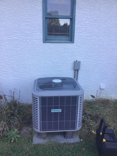 Reynoldsburg, OH - Previous history of refrigerant issues. Removing some per SH at no charge. Request service contract for return checks on refrigerant. Removed 2lbs of refrigerant form the 2014 Comfortmaker.