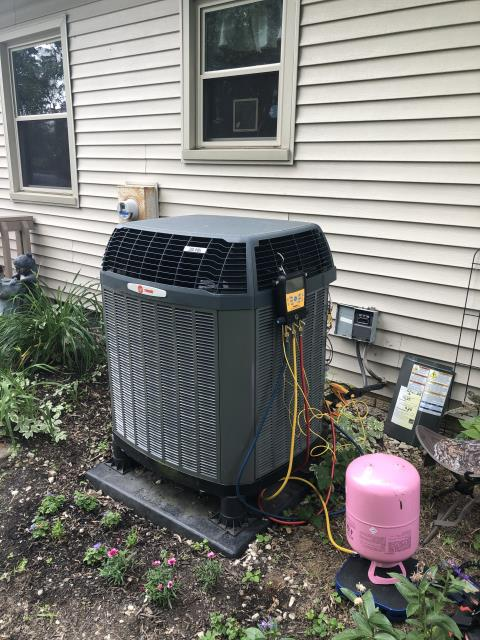 Reynoldsburg, OH - Customer stated the heat pump will not come on at all, only the blower in the furnace. Upon arrival put gauges on the system, system has 9psi in it which means the 2014 Trane Heat Pump system is completely out of refrigerant.