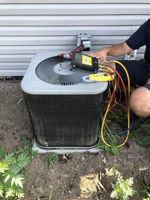 Reynoldsburg, OH - I Replaced the  Compressor-Motor Surge Capacitor on the 2005 Lynk