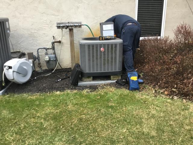 Alexandria, OH - Ran diagnostic on system to check system operation before replacing part. System is a zone system. 2 zones, 3 dampers. All dampers open while preforming test. Checked condenser coils and evap coil cleanliness, sprayed off semi dirty condenser coils.