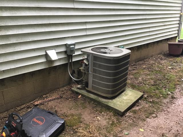 Groveport, OH - I provided a estimate for a new  OEM Direct Drive Blower Motor w/Capacitor and a new OEM Condenser Fan Motor (Single Speed) and Capacitor