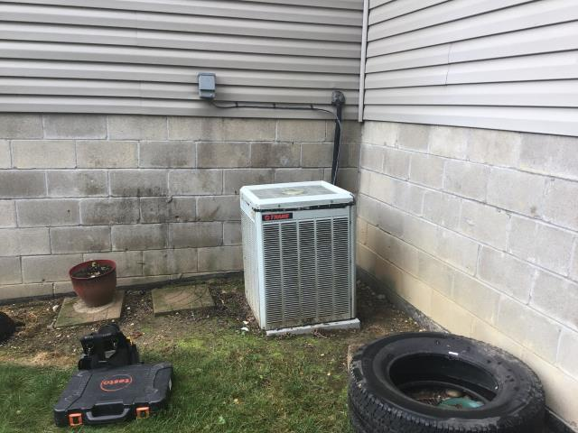 Lockbourne, OH - I Replaced the OEM Condenser Fan Motor on a 2003 Trane
