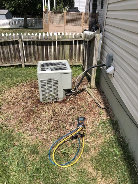 Pataskala, OH - I Replaced the Compressor-Motor Surge Capacitor on a Air Conditioner