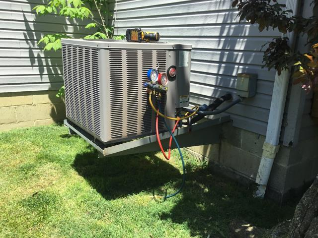 Reynoldsburg, OH - Customer explains the lines had frozen again. The unit had been cooling a bit since the last visit.