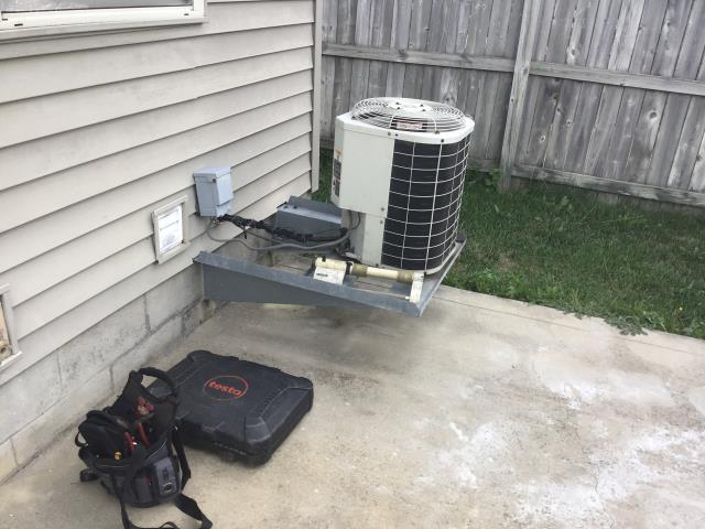 Galloway, OH - Found the 1999 Bryant unit low, leaking, gave customer options.
