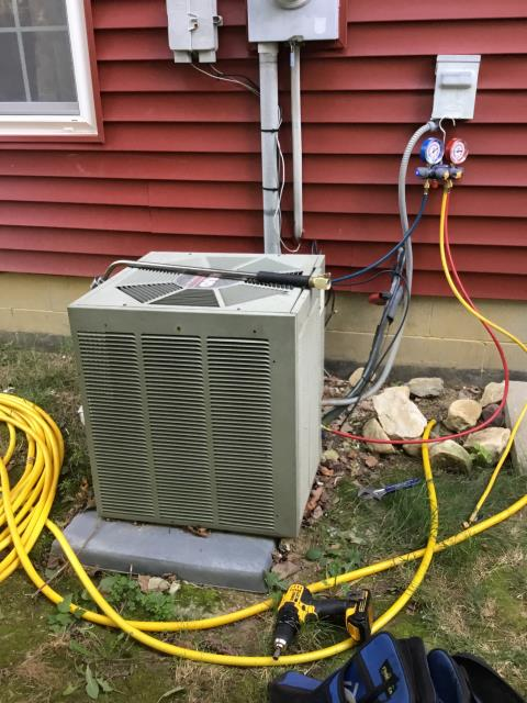 Hilliard, OH - The Rheem Unit was freezing up, defrosted but now it doesn't cool well. I preformed a Search for Refrigerant Leak with Electronic Leak Detector