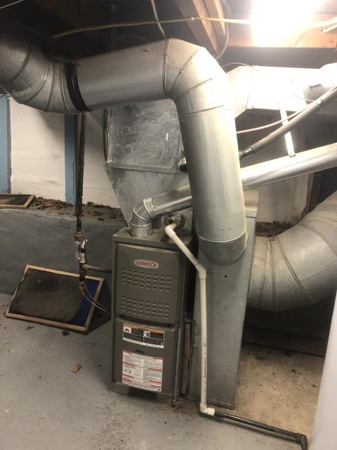 Columbus, OH - Upon arrival customer stated the 2011 Lennox furnace wouldn't light. Found inducer motor running but the pressure switch was not closing.