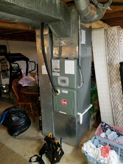 Canal Winchester, OH - Performing our Five Star Tune-Up & Safety Check on a 2004 Rheem . All readings were within manufacturer's specifications, unit operating properly at this time.