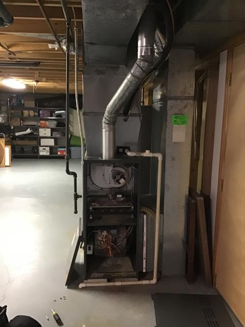 Grove City, OH - I am Performing our Five Star Tune-Up & Safety Check on a  2004 Goodman Gas Furnace.  All readings were within manufacturer's specifications, unit operating properly at this time.