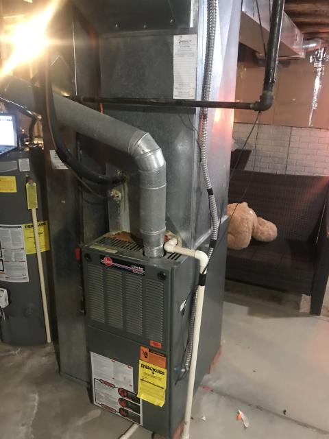 Blacklick, OH - Replaced filter and gave customer a quote to replace OEM High Limit Switch. Carrier 80% 90,000 BTU Gas Furnace now heating properly.