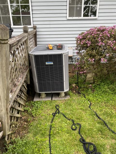 Reynoldsburg, OH - I completed a diagnostic service call on a Tempstar air conditioner. I determined that the Thermostatic expansion valve needed to be replaced. Went over options with the customer.