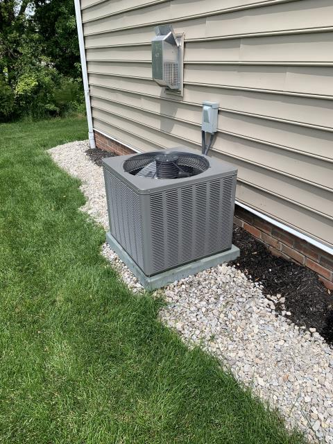 New Albany, OH - I completed a diagnostic Rheem air conditioner. I determined that the unit's wiring needed to be corrected. Went over options with the customer.