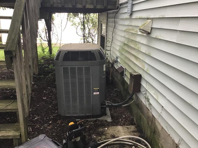 Hilliard, OH - I completed a diagnostic service call on a Trane air conditioner. I determined that the unit was low on Freon. I went over options with the customer. The customer opted to replace the unit tomorrow.