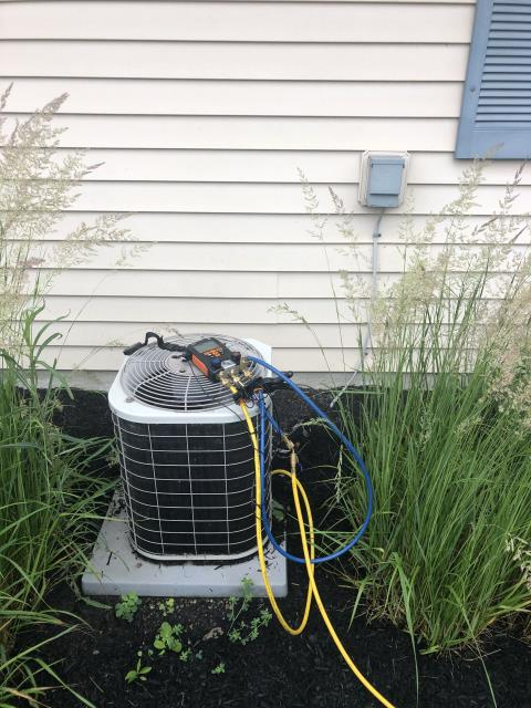 Pickerington, OH - I completed a diagnostic service call on an air conditioner. I determined it was low on Freon and may have a leak. I went over options with the customer.