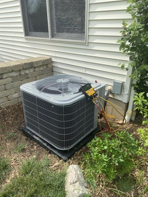 Canal Winchester, OH - I completed a return service on a Carrier air conditioner, I found that there is a huge leak. I went over options with the customer.
