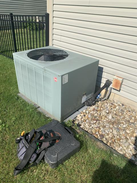 Galloway, OH - I completed a diagnostic service call on a Rheem air conditioner. I determined there was a leak in the unit. Customer opted to seal and recharge, everything cooling upon departure.