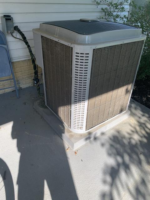 Canal Winchester, OH - I completed a diagnostic service call on a Tempstar air conditioner. I determined that the capacitor is in need of replacing, I provided options to the customer, whom opted to replace. Unit is now operating as intended.