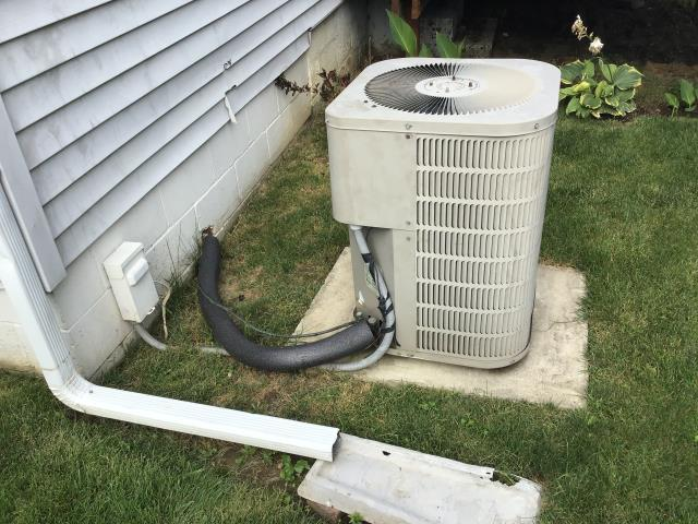 Obetz, OH - I arrived on site to give the customer on a new air conditioning and furnace system estimate. I recommended the Five Star 80% Gas Furnace and a Five Star 13 SEER Air Conditioner, as they were the most reliable for the measurements of the customers home. The customer will call us back if they decide to go through with the estimate.