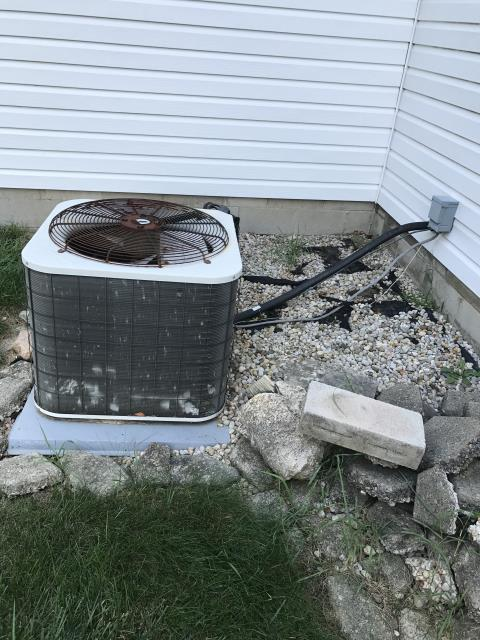 Pickerington, OH - I completed a diagnostic service call on an air conditioner. I determined that the unit was operational. I went over options with the customer.