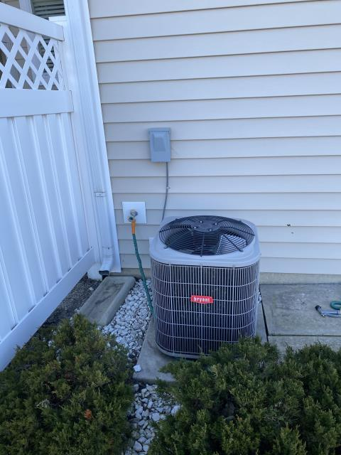 Grove City, OH - I completed a diagnostic call on a Bryant air conditioner. I found the capacitor blown. Cleaned off outdoor unit, cooled off condenser fan motor. Replaced capacitor, cycled cooling. Now cooling properly.